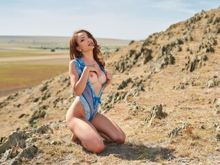 AnnaLevy shows nude
